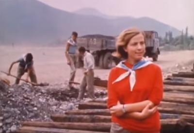 Le donne albanesi nel 1970 (immagini del periodo comunista)