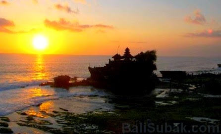 Attraction of Tanah Lot