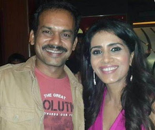 Sonali Kulkarni Family Husband Son Daughter Father Mother Marriage Photos Biography Profile.