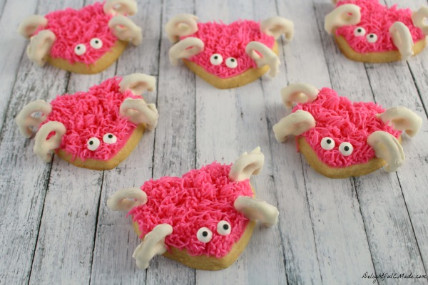 http://delightfulemade.com/2015/01/30/love-bug-sugar-cookies/