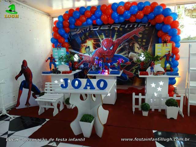 Decoração provençal tema do Homem Aranha para festa de aniversário infantil