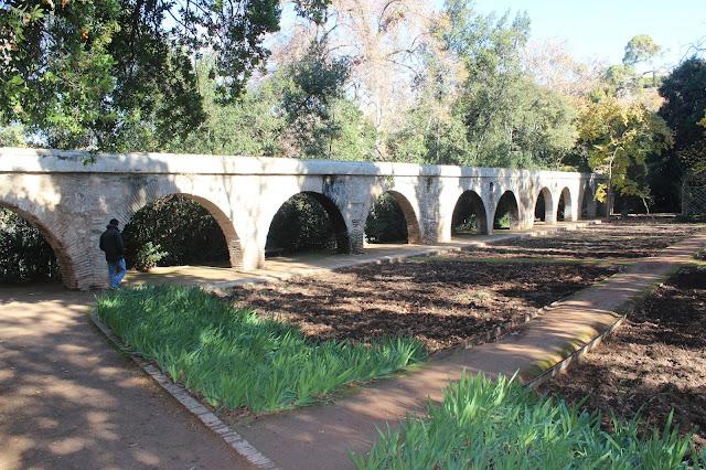 Acueducto del Carmen de los Mártires