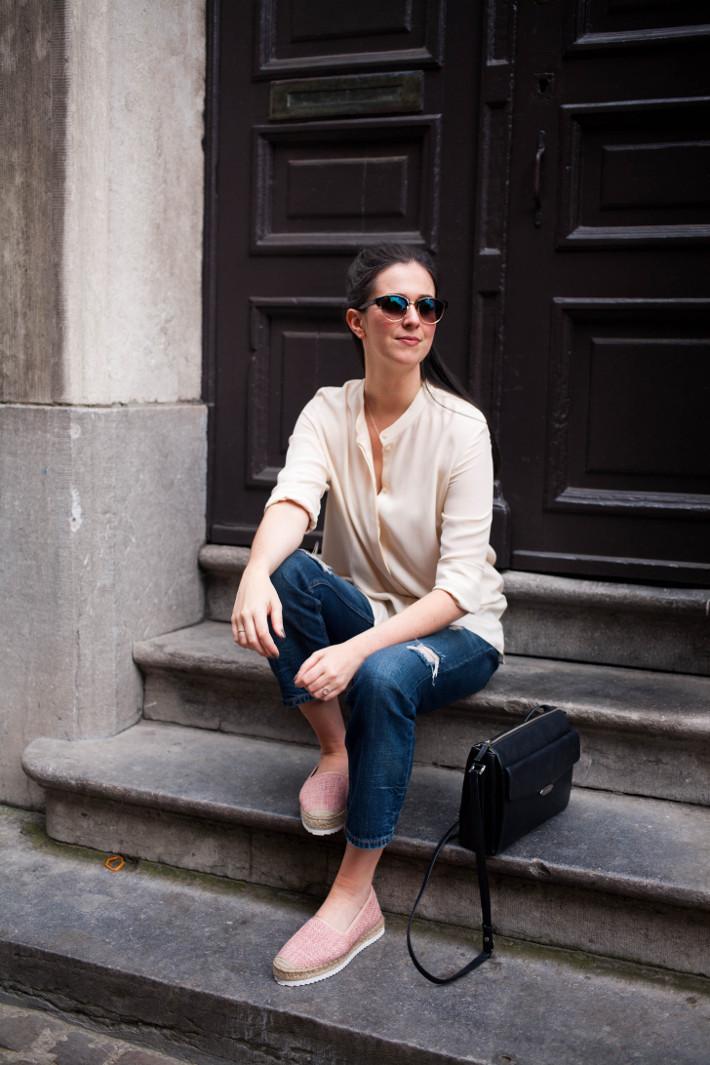 Outfit: silk blouse, boyfriend jeans, pink espadrilles