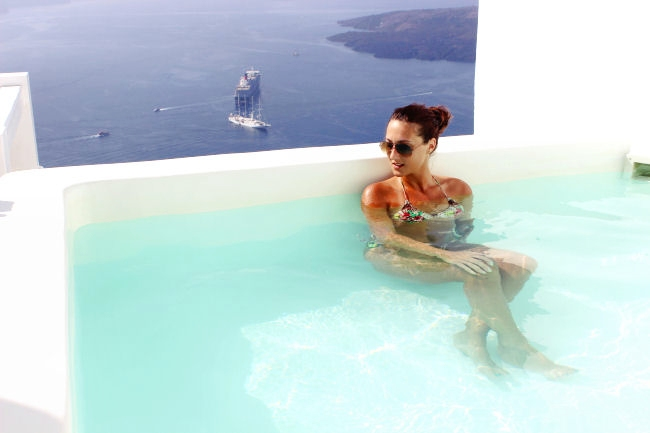 Aqua Luxury Suites luksuzni hotel na ostrvu Santorini u Grckoj