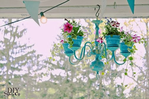 Anthropologie S Magpie Chandelier Is A Colorful Explosion Of Found Objects And Trinkets