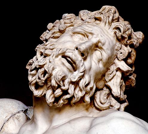 laocoonte-y-sus-hijos-comentario-escultura-griega-historia-analisis-mito-grupo-laoconte-detalle-detalles-museo-pio-clementino-rostro