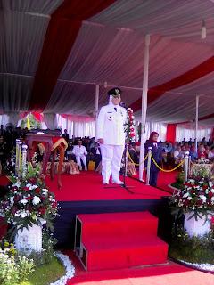 Bupati Bekasi menjadi insfektur upacara Hut RI ke 71