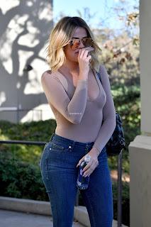 Khloe-Kardashian-and-Kourtney-Kardashian-5_result.jpg