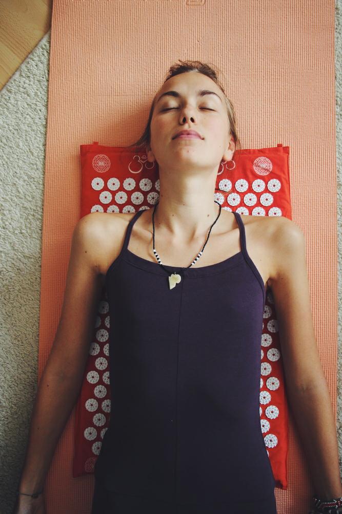 willascherrybomb-shakti-mat-review-meditation-yoga