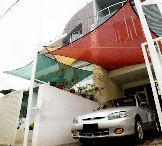 Shade sail ialah epilog atap berbahan nylon polyethylene Atap carport warna-warni (shade sail)