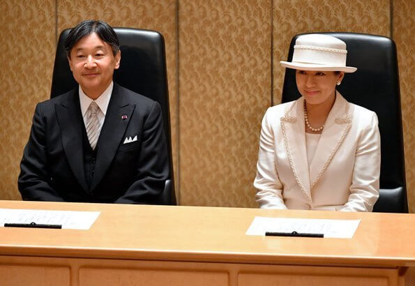 The Imperial and Japan Academy Prizes are awarded to persons who have achieved notable research landmarks