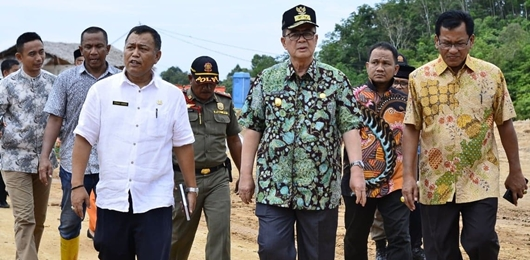 Wagub Nasrul Abit Tinjau Pembangunan Stadion Utama Padang Pariaman