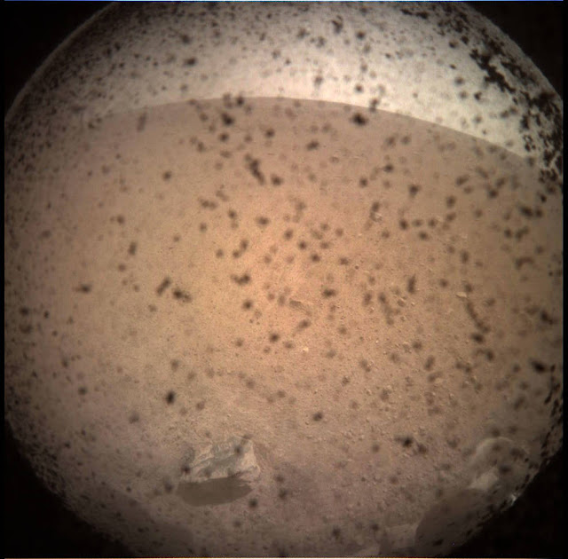 Insight Uzay Aracı Mars Fotoğrafı
