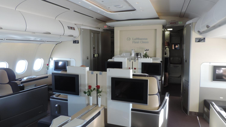 Review Lufthansa A340 600 First Class Frankfurt Kuwait