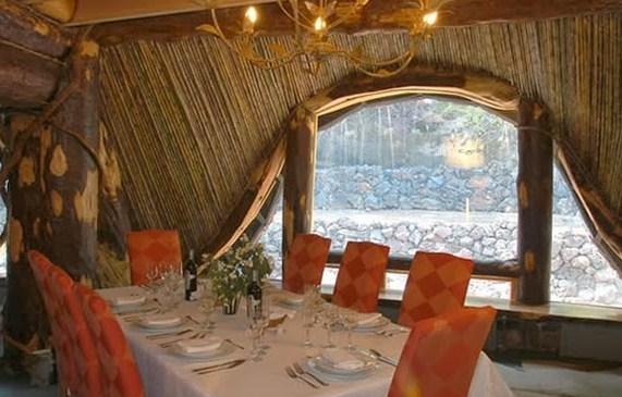 Hotel Seperti Rumah Hobbit Magic Mountain di Chili