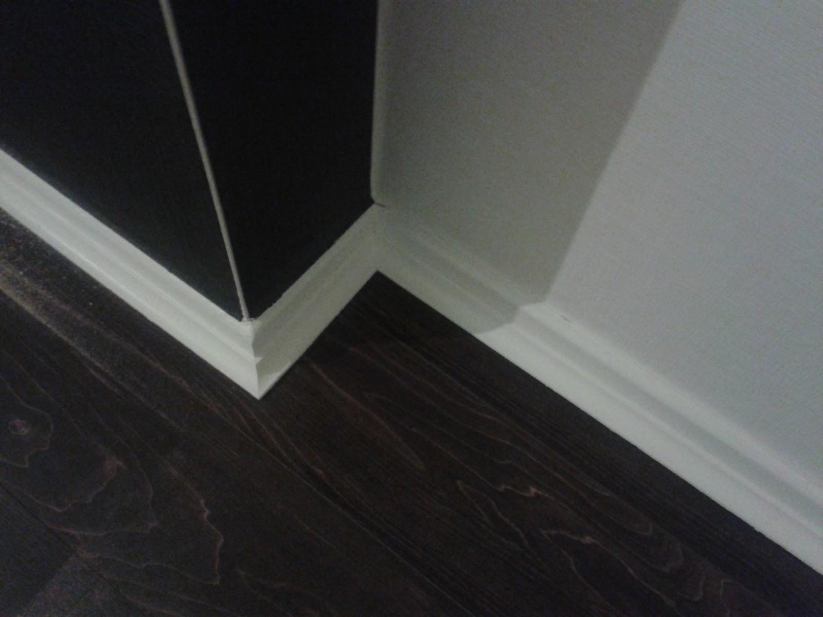 selber machen entstehung eines wohnzimmers 4 die fussleisten. Black Bedroom Furniture Sets. Home Design Ideas
