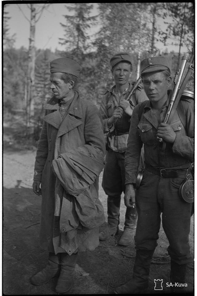 Armour force / Panssaroitu voima : Sa-Kuva 1942