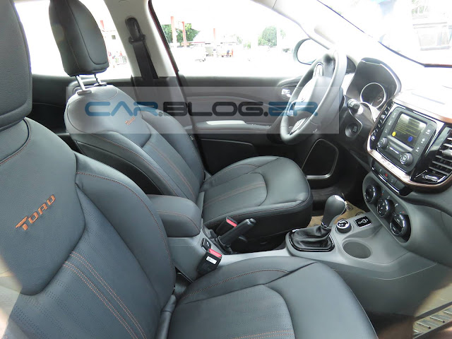 Fiat Toro Volcano 2.0 Turbo Diesel - interior