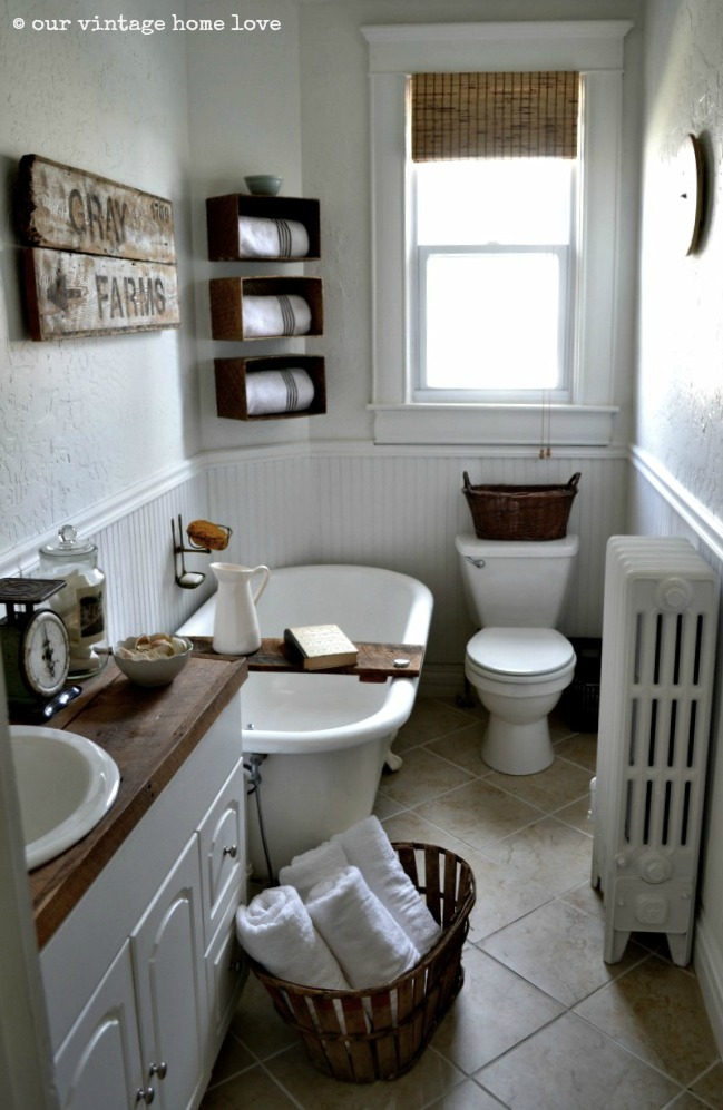 vintage home love: Farmhouse Bathroom on Farmhouse Bathroom Ideas  id=67913