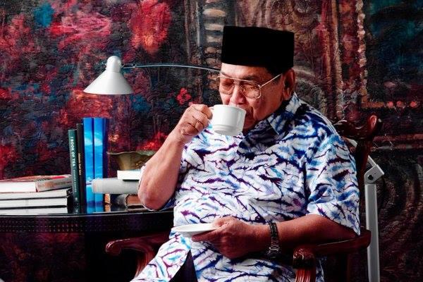 """Gus Dur Juga Pernah Kena """"Kartu Kuning"""" di UGM, Lebih Parah dari Jokowi"""