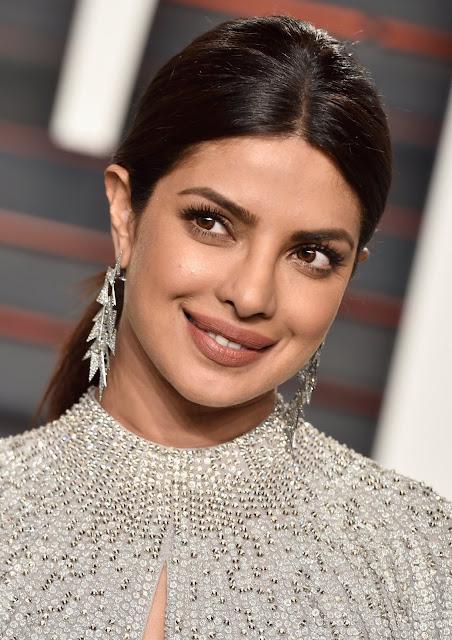 Priyanka Chopra Looks Stunning