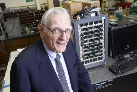Lithium Ion Pioneer Discovers New Longer Lasting Rechargeable Batteries