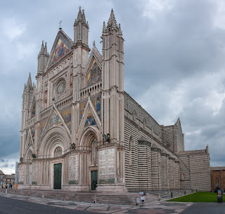 Orvieto's beautiful Duomo - the Cattedrale di Santa Maria  Assunta - is one of the finest cathedrals in Italy