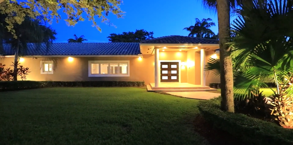 36 Interior Design Photos vs. 6390 SW 112th St, Pinecrest, FL