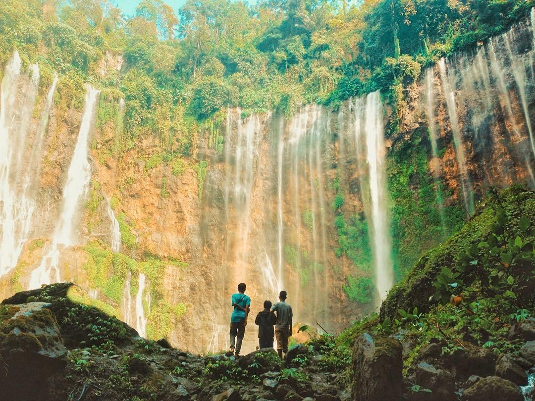 Melihat Keindahan Air Terjun Tumpak Sewu Wisata Malang