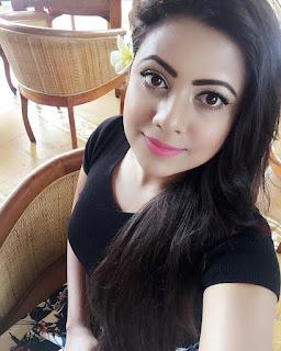 Azmeri Asha Sexy