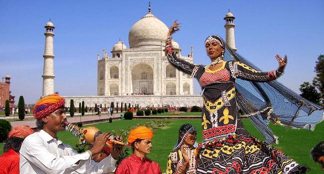 Taj Mahotsav Culture