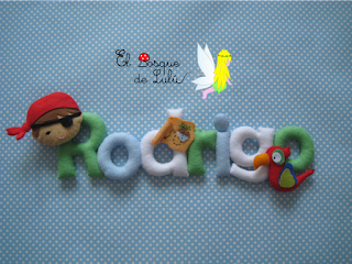 nombre-fieltro-Rodrigo-piratas-loro-decoración-infantil-name-banner-elbosquedelulu-hechoamanoparati-felt-feltro-regalo-nacimiento-personalizado