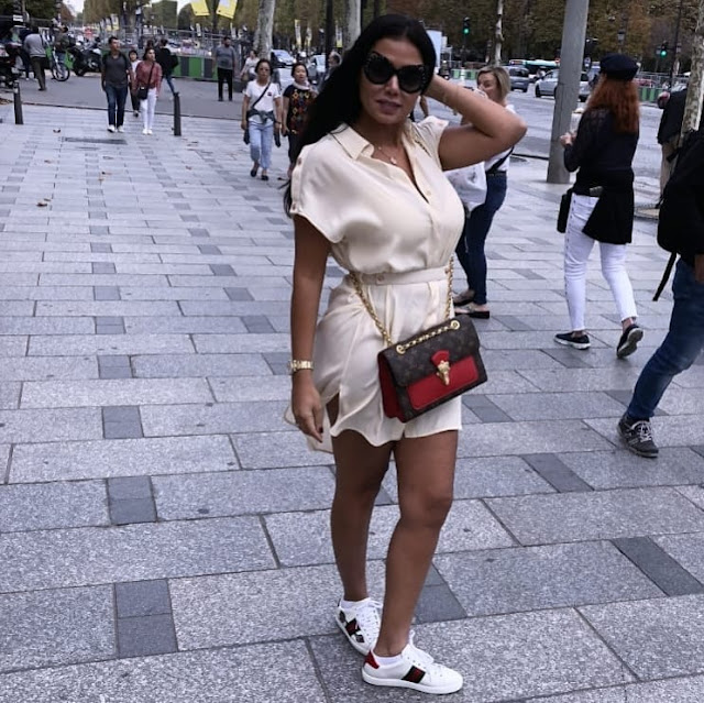 رانيا يوسف بإطلالة مثيرة بفستان قصير فى أوروبا