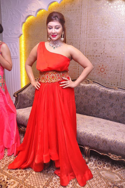 Payal Ghosh Latest Hot Cleveage Spicy Red Sleveless Skirt PhotoShoot Images At Kalasha Fine Jewels Event