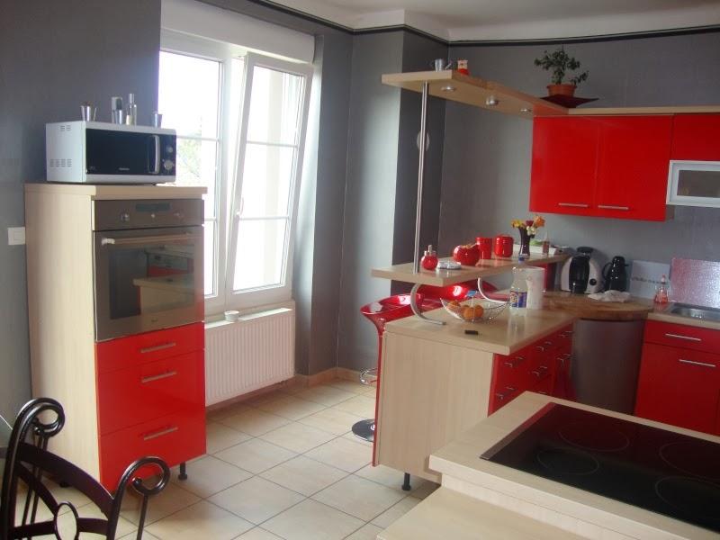 ce que vous devez faire attention lors du choix des rideaux de cuisine modele cuisine. Black Bedroom Furniture Sets. Home Design Ideas