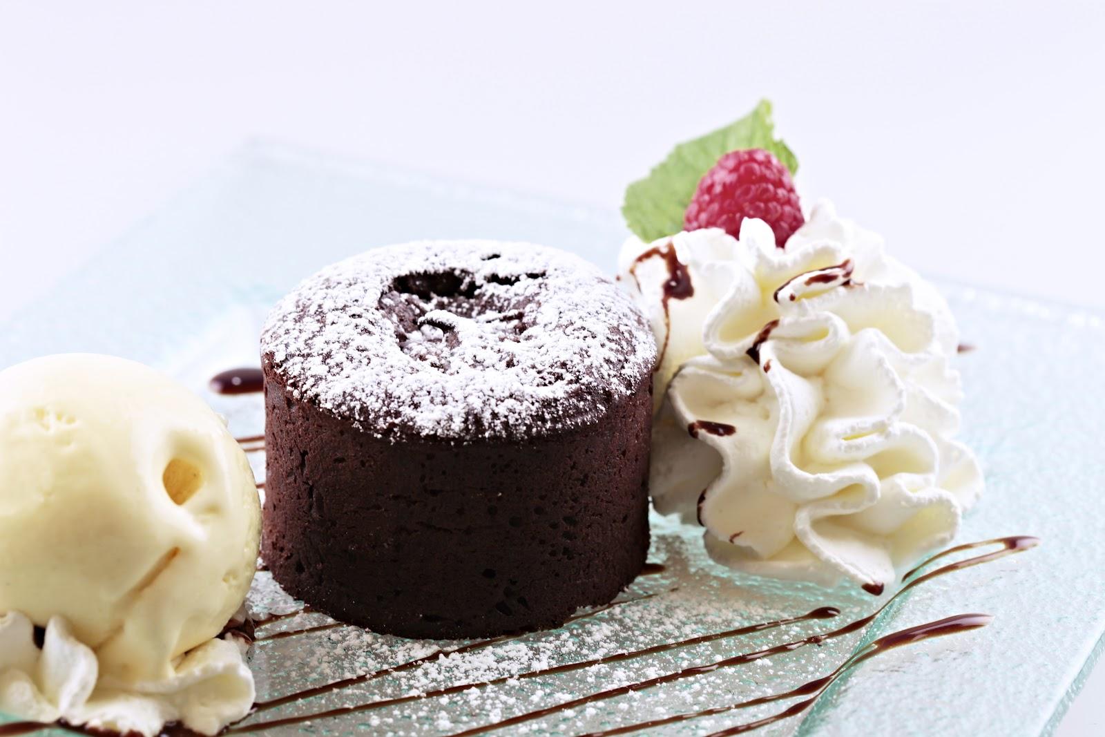 Chefcuenca Coulant De Chocolate Con Helado De Vainilla