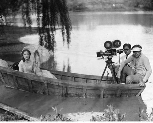 Bardelys The Magnificent movieloversreviews.filminspector.com 1926  Eleanor Boardman boat ride
