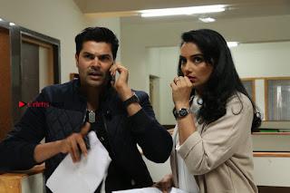 Ganesh Venkatraman Swetha Menon Starring Inaiyathalam Movie Stills  0008.JPG
