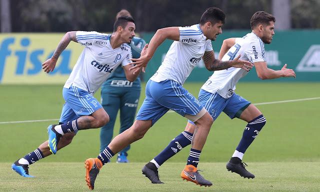 Zagueiro do Palmeiras Nícolas Freire