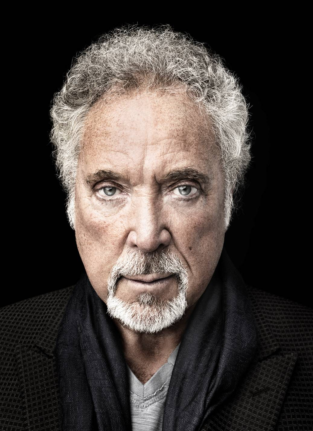 tom jones Tom jones, a man who oozed charisma thanks to his powerhouse voice and slick stage moves, hosted his own weekly musical variety show from 1969 to 1971 this 3 dvd set.
