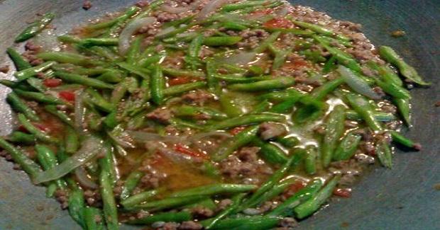 Tadtarin Sa Bichuelas (Stringbeans) Recipe