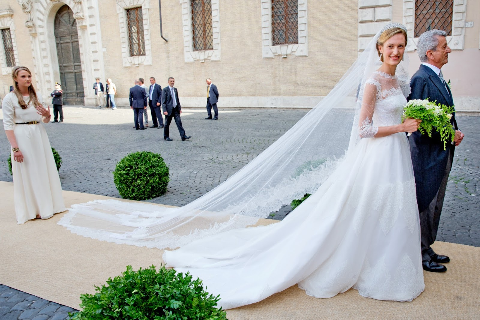 Wedding Dresses  Belgium : Queen mathilde flashback wedding of prince amedeo