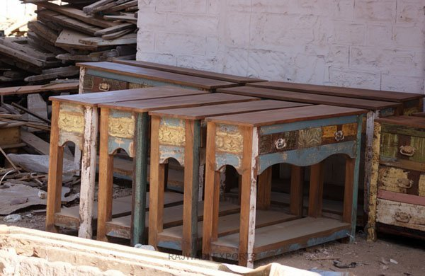 Sourced From The Old Houses Of India Reclaimed Wood Is Solid Le Durable And Beautiful Furniture Made Have Characteristics