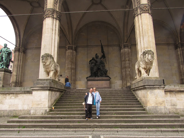 Feldherrnhalle na Odeonsplatz O que ver em Munique Alemanha