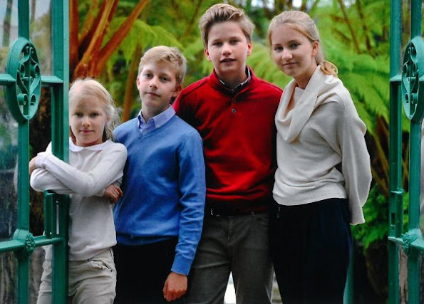 King Philippe, Queen Mathilde, Princess Elisabeth, Prince Gabriel, Princess Eléonore and Prince Emmanuel