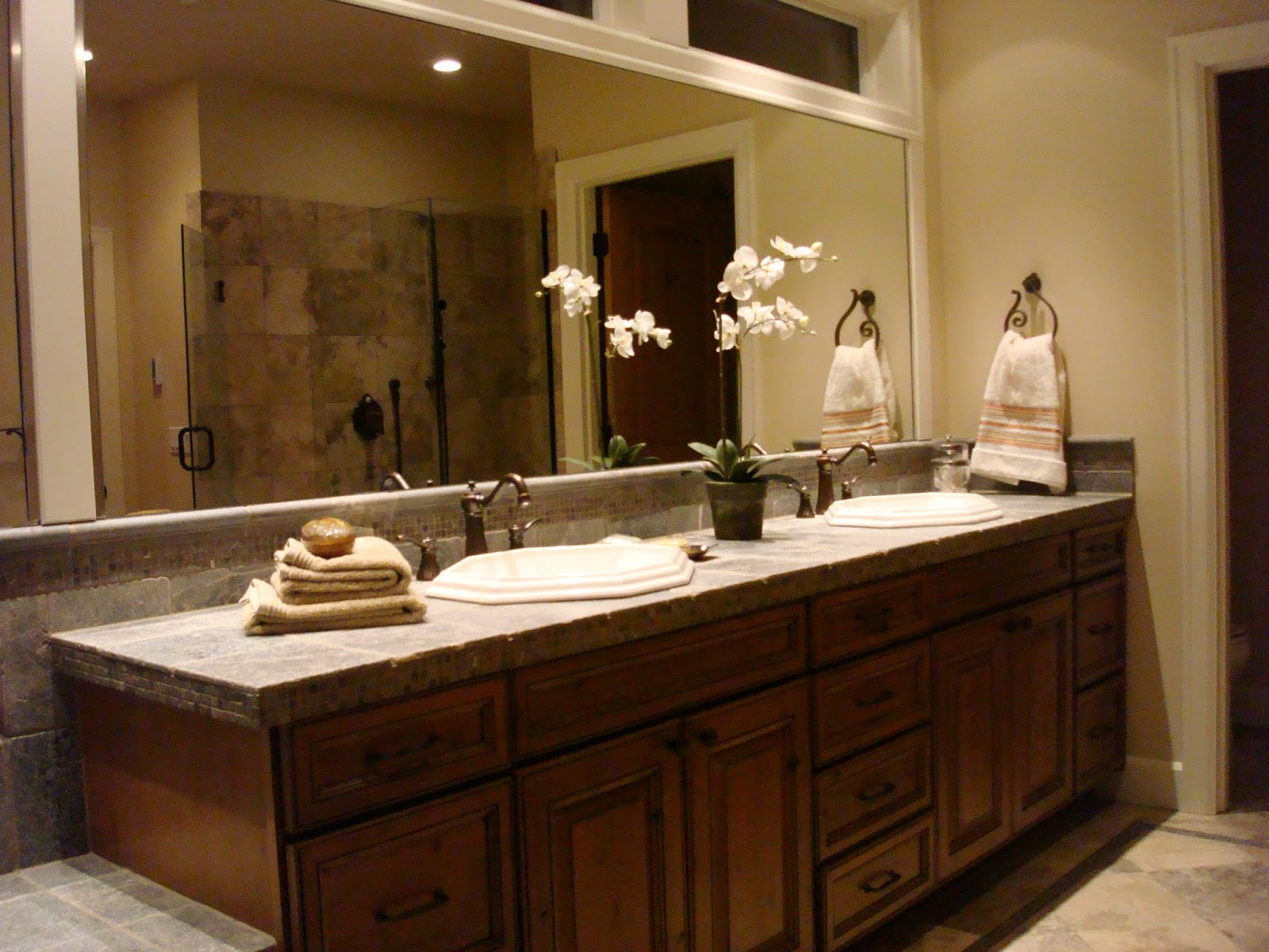 30 Custom Built Cabinets for Master Bathroom Vanity Designed with