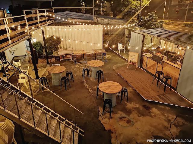 57056724 1843049502476909 8169829255069302784 n - Rico Noche cafe,台中最新夜景咖啡廳,貨櫃工業風搭配美麗燈泡好夢幻!