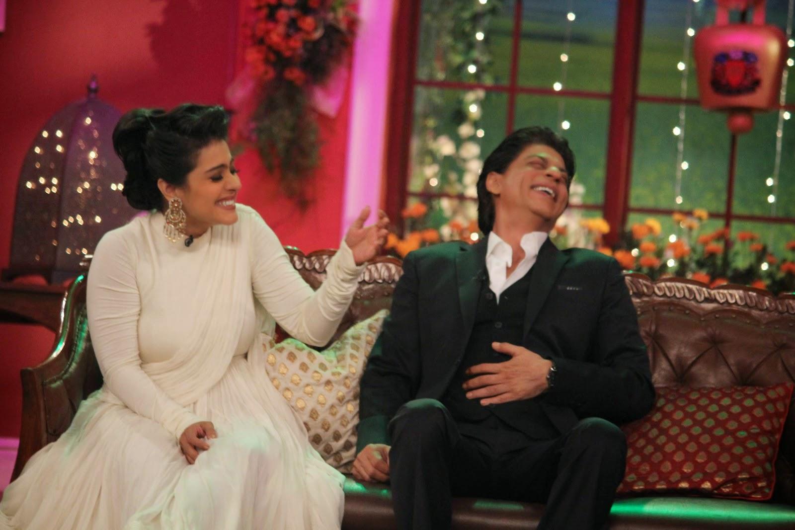Kajol Pics At Comedy Nights With Kapil Sets, Shah Rukh Khan-Kajol DDLJ Team on CNWK