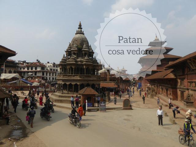 La visita a Patan una delle città reali nepalesi. veduta di Durbar Square