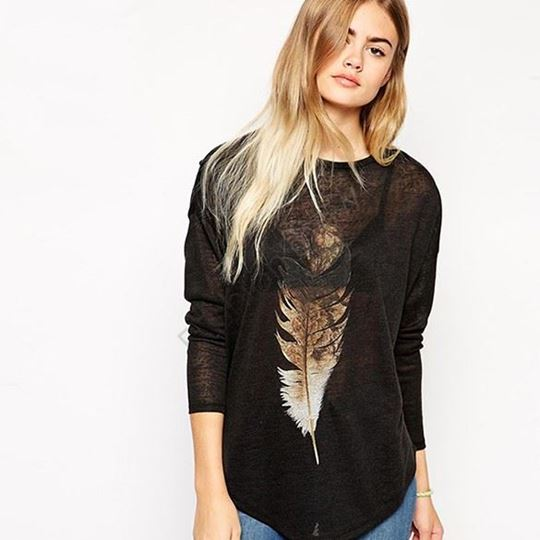 Feather Printed Long Sleeve Batwing T-shirt
